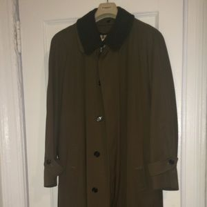 Burberry men's olive lined trench coat size Large